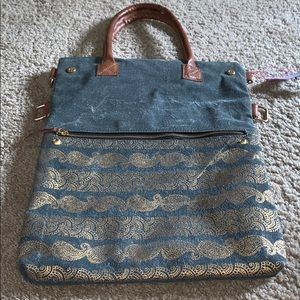 Admiral Fold over convertible Tote
